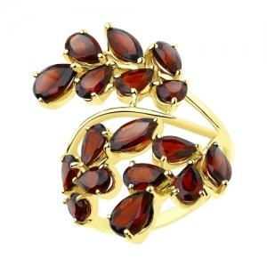 Кольцо из желтого золота с гранатами