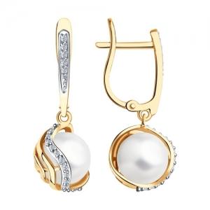 Серьги из золота с бриллиантами и жемчугом