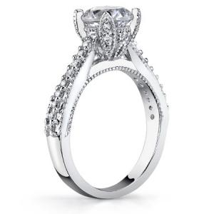 Золотое кольцо для предложения с муассанитом (16,5 р)