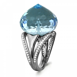 Золотое кольцо с топазом, бриллиантом