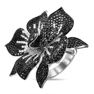 Кольцо в виде цветка из белого золота c черными бриллиантами