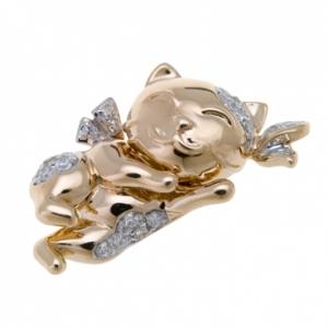 Золотая подвеска «Кошка» c бриллиантами