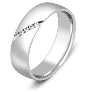 Обручальное кольцо из платины с бриллиантами