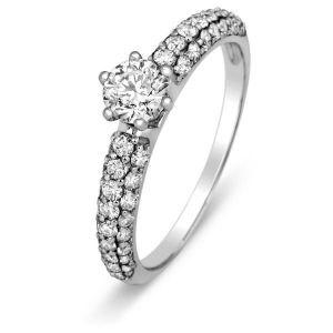 Помолвочное кольцо с бриллиантами из белого золота