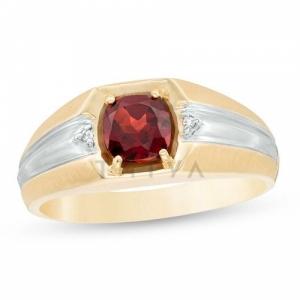 Мужское кольцо из желтого золота с гранатом и бриллиантом